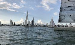 ASVS Stuttgart segelt mit klassischer 5mr Segelyacht im großen Startfeld der Rundum Regatta am Bodensee