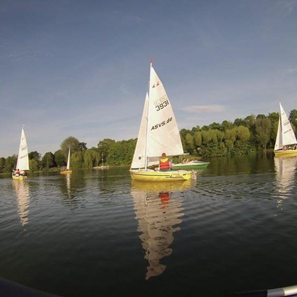 Ausbildungsjollen auf dem Max-Eyth-See