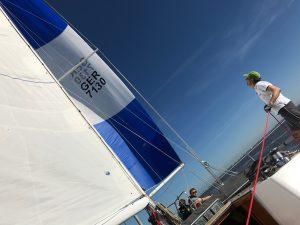 ASVS Stuttgart segeln unter Gennaker auf der Segelyacht Odysseus Nordsee